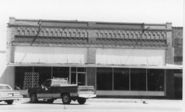 Commercial Building at U.S. 70 & Courthouse Square