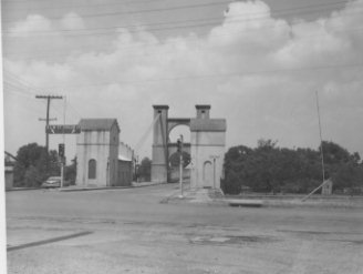 Front of Waco Suspension Bridge